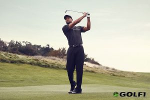 Golf-Legende Tiger Woods trägt Nike © Nike